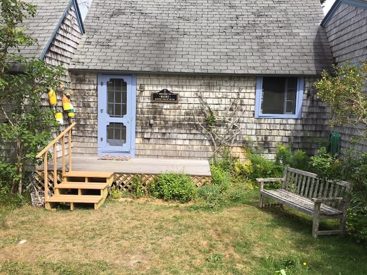Periwinkle Cottage - Old Maine Charm Updated!