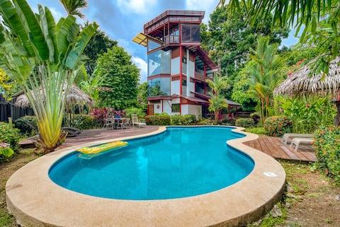 La Casa del Mango, Ocean/Mountain Views & Pool.