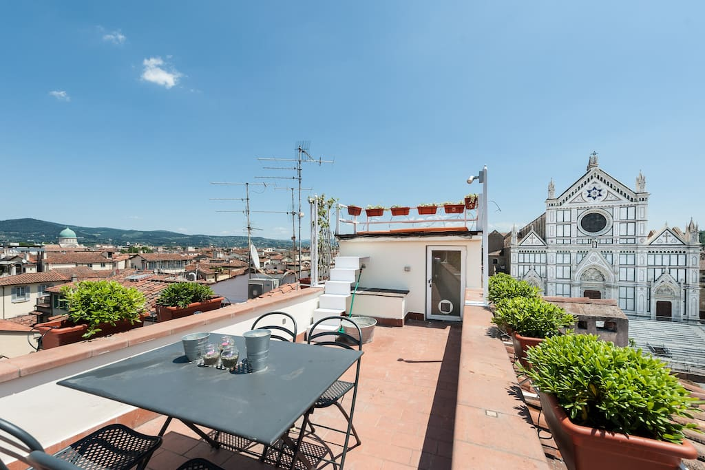 Croce penthouse top of florence appartamenti in for Appartamenti in affitto firenze