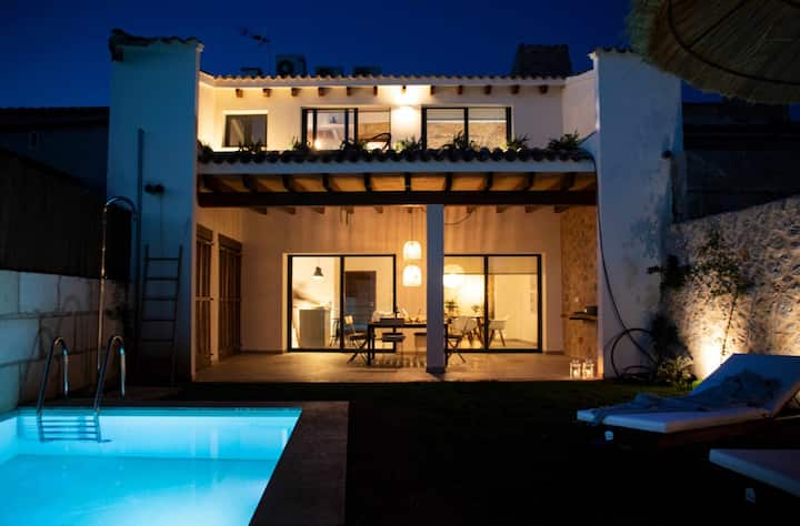 YourHouse Turquesa, modern vacation home with pool in Majorca centre-north