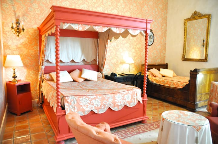 Deluxe Double Bedroom for 2 Persons