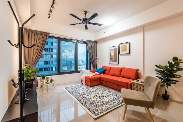 2BR Georgetown Macalister City View