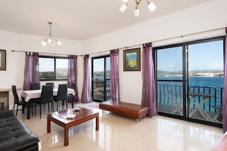 Amazing 2 Bed Seafront Apartment - Mellieha.