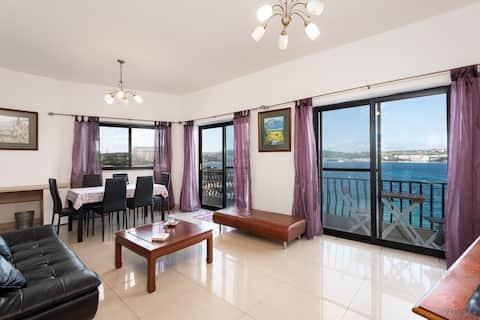 Amazing Seafront Flat Mellieha (6 Schlafplätze) ACs AAA+