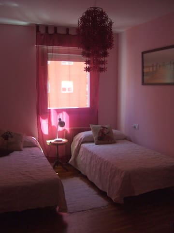 Nice and comfortable room for rent - Pamplona - Bed & Breakfast