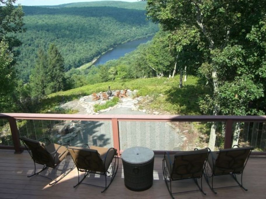 Rocking chairs on deck (6 in total) overlooking Delaware river
