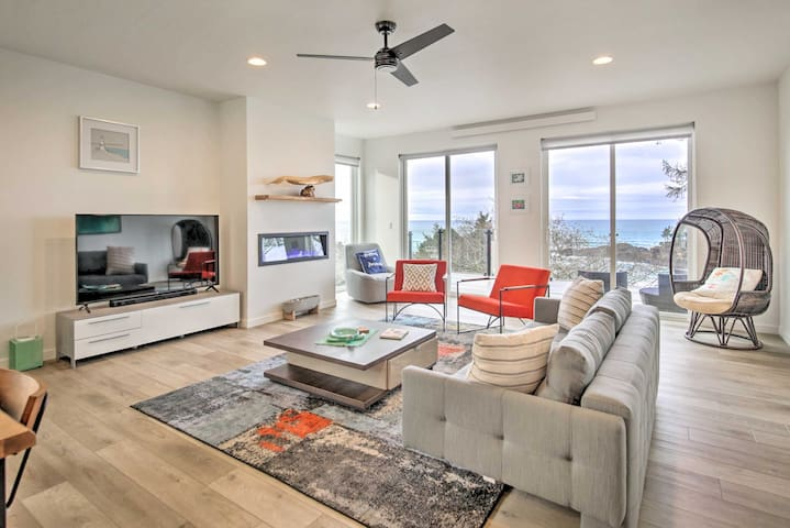 NEW! Recently Built Depoe Townhome w/ Ocean Views!