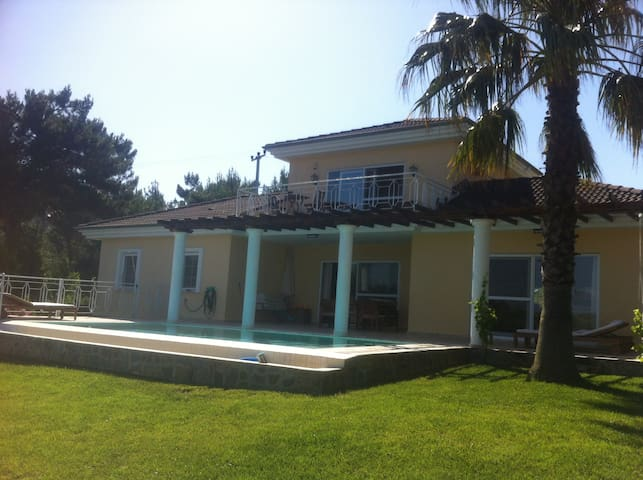 Beautifull villa on the coast+Pool - Soğucak - Villa