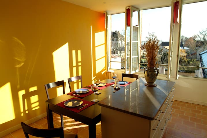 Les Epenots - 4* Luxury Apartment in Pommard