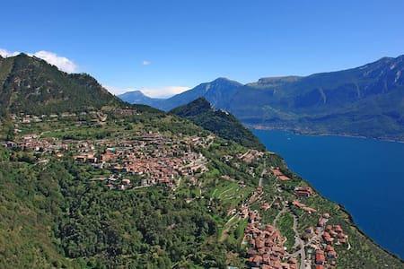 Villa delle Rose-Tignale-Gardasee - Tignale Gardola - Appartement