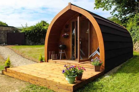 New, Glamping Megapod and Breakfast with a View