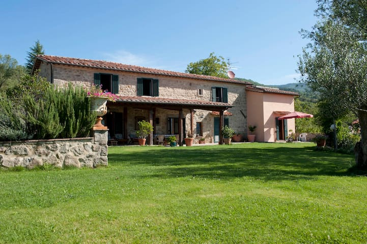 Villa Pievevecchia Santa Fiora,GR - Santa Fiora - Bed & Breakfast