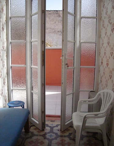 Flat for two & Large sunny terrace - Faro - Apartment