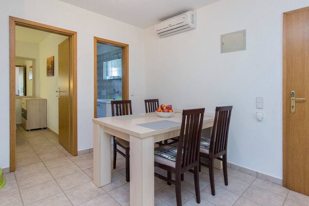 Dinning table, access in bedroom and bathroom, air condition