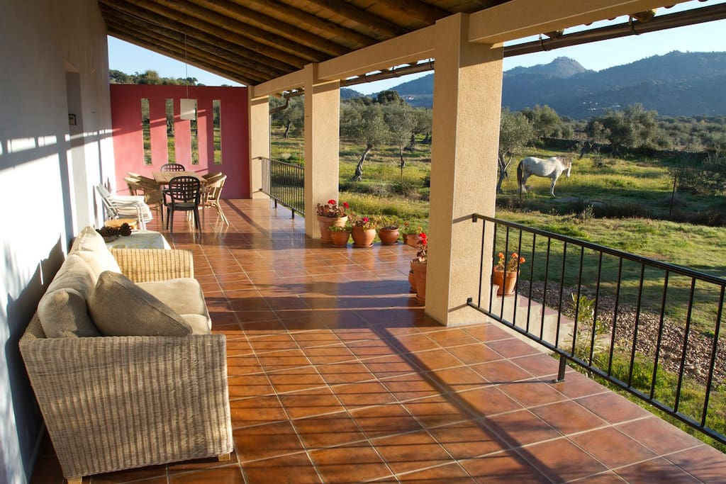 There is a large terrace with fine views of Sierra de Montanchez with its castle.