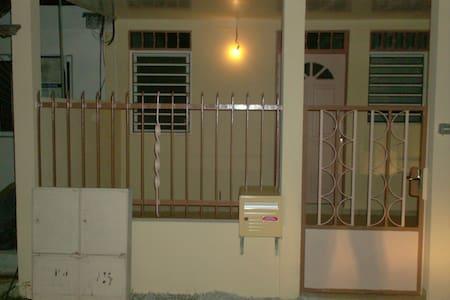 Maison Mitoyenne T4 Angélique meublée à Kourou - Kourou - Casa