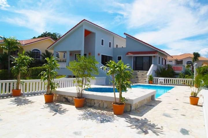 4BR-5 Beds, Sosua Luxury Villa,  Pool,  Ocean View
