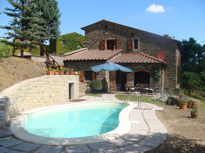 Casa del Sasso: an ancient stone-bu