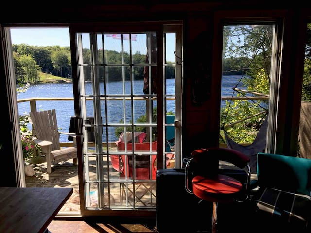 Funky solar cabin on lake near yarmouth