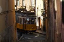 turn 180º and catch the famous 28 tram