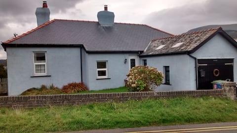 Shoreline cottage - on the Wales coastal path.