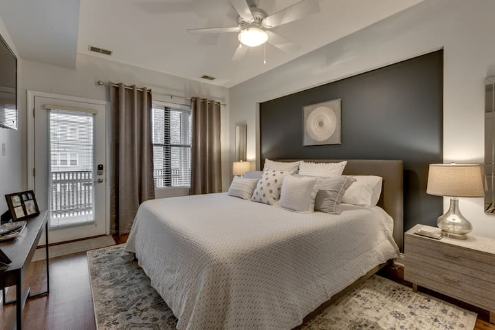 Dover Suites / Accepting Month Long + Stays