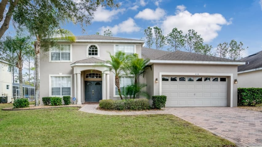 Luxury on a budget - Highlands Reserve - Feature Packed Contemporary 5 Beds 3 Baths  Pool Villa - 5 Miles To Disney
