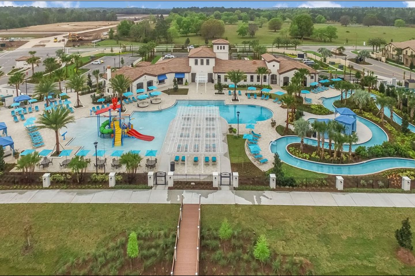 Fantastic resort with water park, heated pool, restaurant, bar, and recreational areas