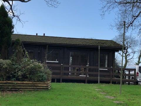Cabaña de madera en Oakfield House cerca de Pyle