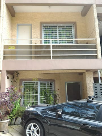 2BR 1T&B Apt A w/ parking, Wifi - Baguio - Appartement
