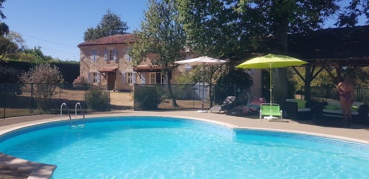 Beautiful country property with pool!