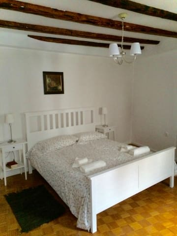 Soca Guesthouse - private room - Kanal ob Soči - Bed & Breakfast