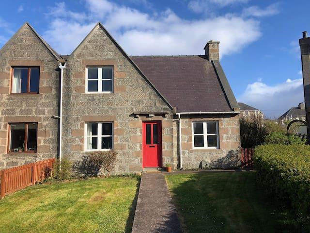 2 Bedroom House, prime central Lerwick