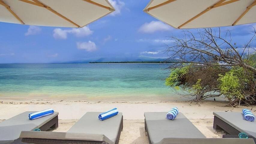 Amazing View Sea 1BR@gili meno+Breakfast+Bar Beach