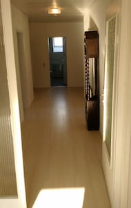 Spacious Ramstein apartment - English caretaker. - Ramstein-Miesenbach - Apartamento