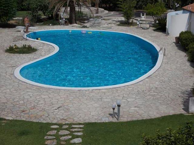 VILLA IN CAMPAGNA CON PISCINA - Corigliano D'otranto - Villa