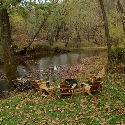 Cacapon riverfront cabin