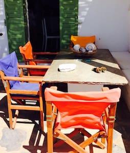 Κατοικία με θέα στο Τριανταρο Τήνου - Τριαντάρος - Dům