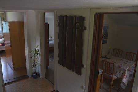 friendly 2-room apartment 2nd floor - Ringgenberg - Lejlighed