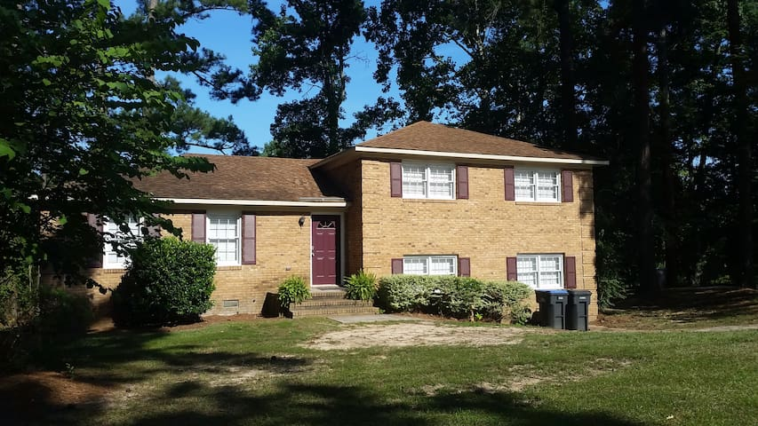 2738 Wicklow Dr (Masters Rental)