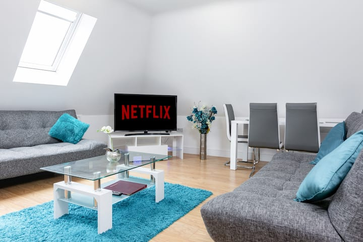 Citycentre apartment &parking🅿️wifi📶Covid safe⛑️