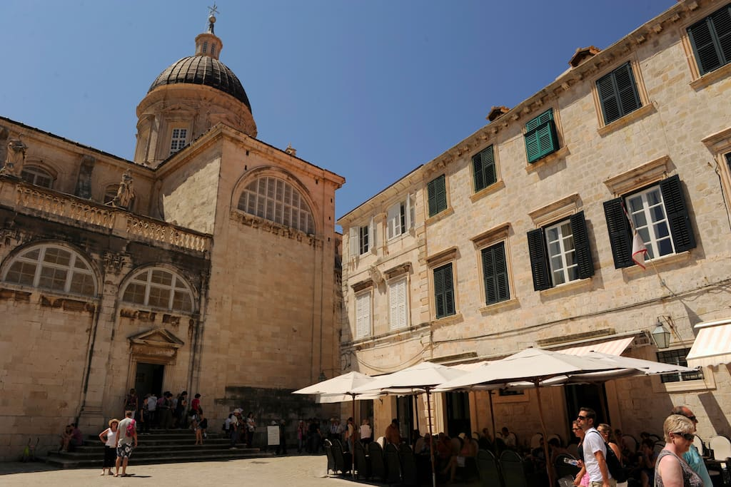 Location. Location. Location. Right in the heart of Dubrovnik. Next to the Cathedral, Rector's Palace, Gundulic Square.