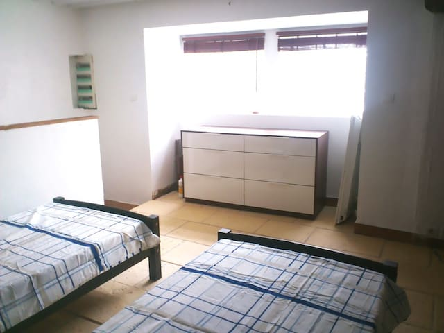 chambre 3 : 2 lits d'une personne