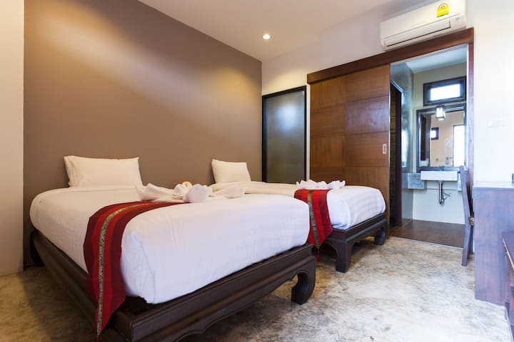 Cozy Room In Chiang Mai's Old Town