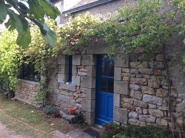 Logement indépendant dans longère bretonne