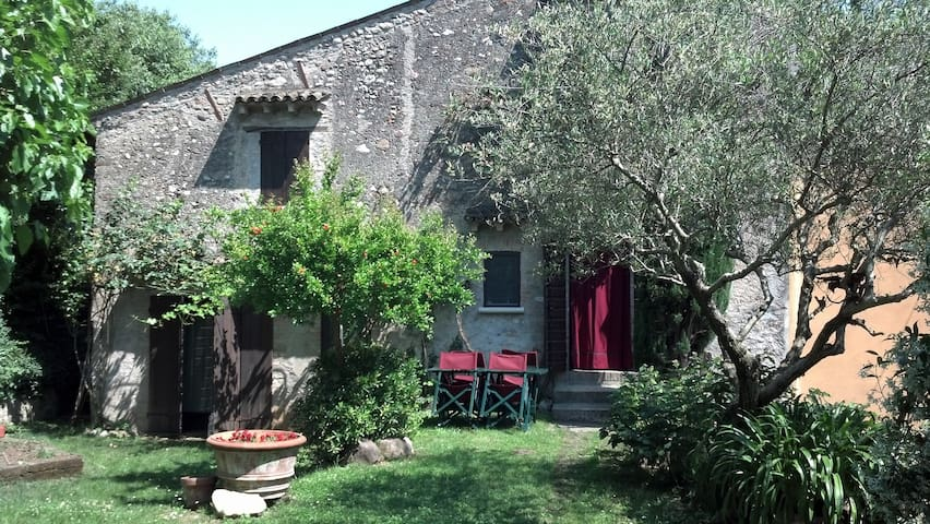 a country house near Garda Lake - Volta Mantovana - Huis