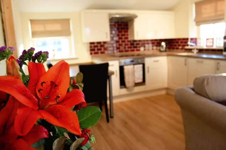 1 bed self catering cottage on farm nr Cotswolds