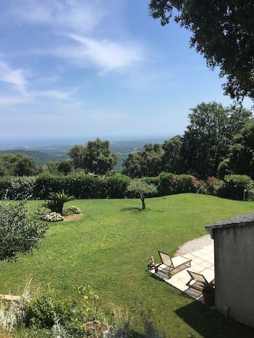 Mini villa dans propriété privée au calme - Sant'Andréa-di-Cotone - Dům