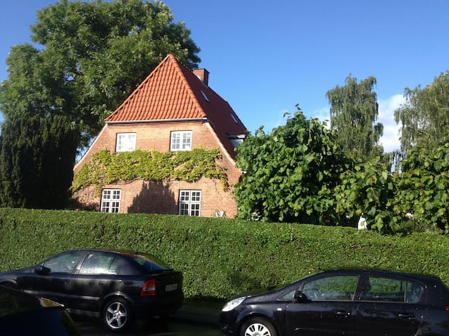 Villa - Beach, Forest and City - Charlottenlund - Villa