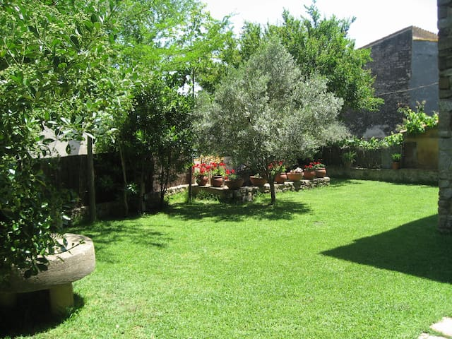 Great family house, Costa Brava - Serra de Daró - Huis